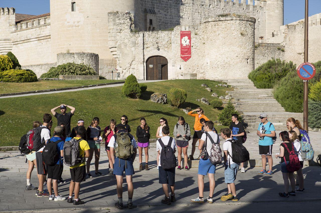 Idiomatic tourism
