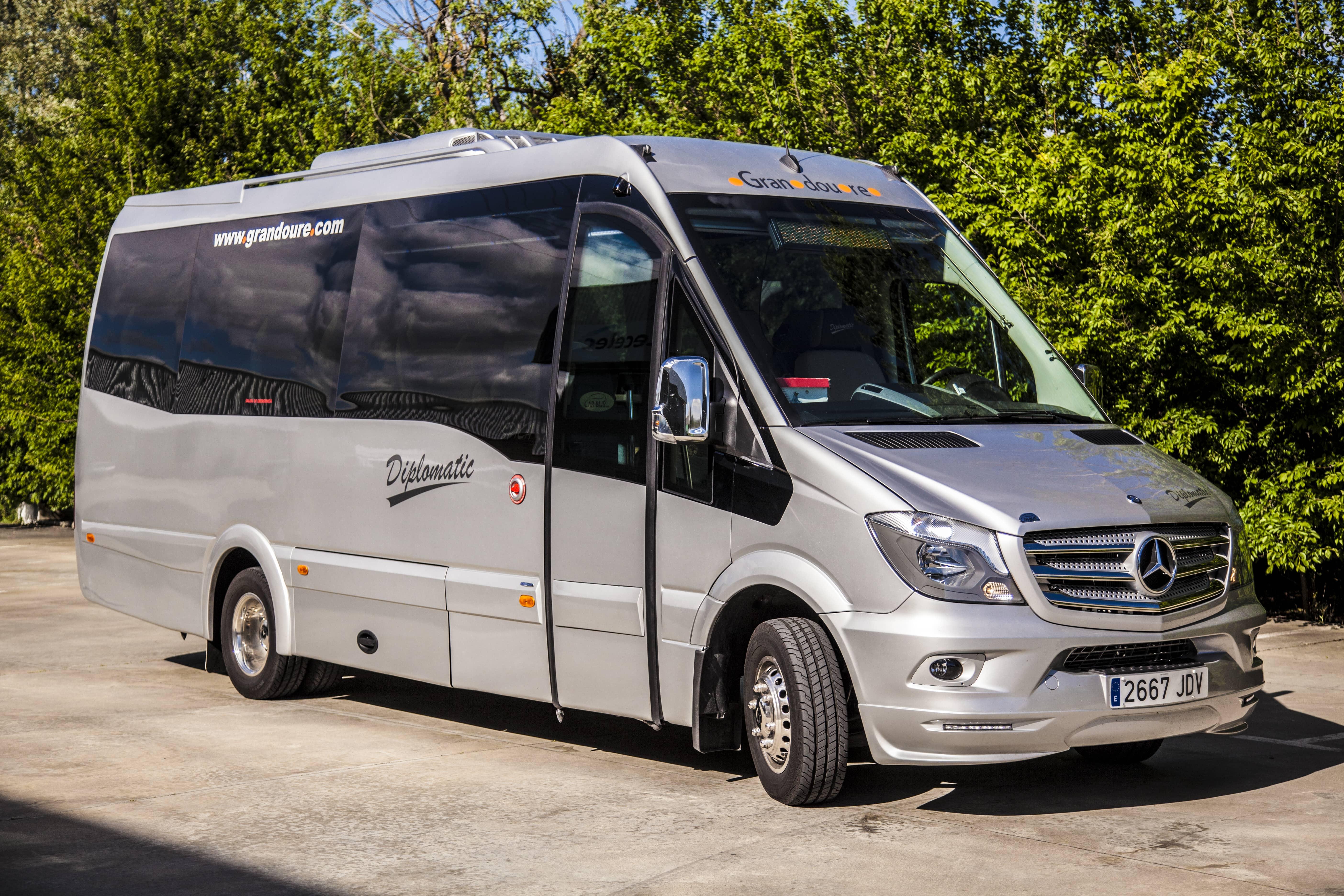 Minibus con conductor para visitar Madrid