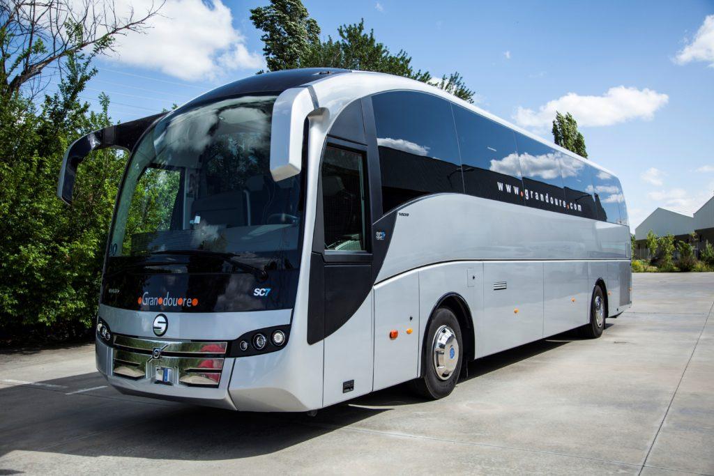 El autobus de lujo de 55 plazas hara su viaje mas confortable